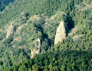 色川のボウズ岩
