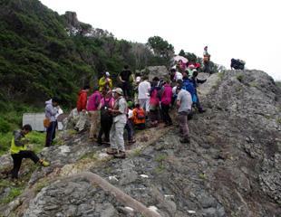 潮岬の火成岩